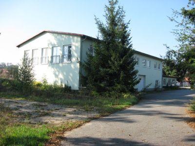 Vorderansicht Bürogebäude