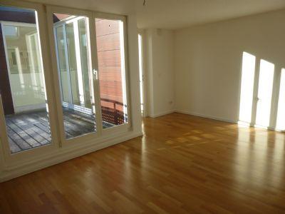 charlottenburg dg wohnung im berliner altbau mit aufzug 4 zimmer 2 b der mit fu bodenheizung. Black Bedroom Furniture Sets. Home Design Ideas