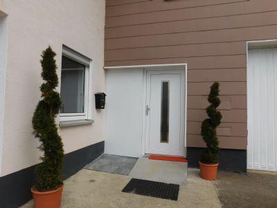 modernisiert neue Türen, Wohnung 2 und 3