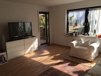 helle freundliche 3 zi whg mit balkon in burgfarrnbach wohnung f rth 2bnw748. Black Bedroom Furniture Sets. Home Design Ideas