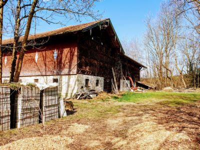 Reserviert: Wunderschönes Bauernhaus (Vierseithof) in idyllischer Lage mit Blick in die Berge und 8000 qm Grund