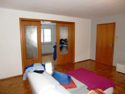 Wohnzimmer zum Esszimmer