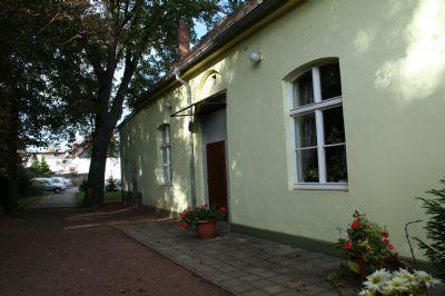 Bild 12 Saal von Gartenseite mit Außentür