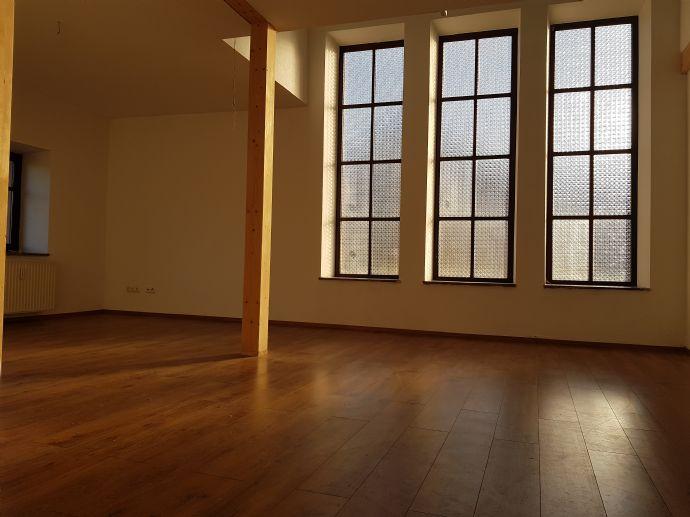 Traumhafte Galleriewohnung mit dem besonderem Flair, sehr hell, ruhige, zentrale Lage