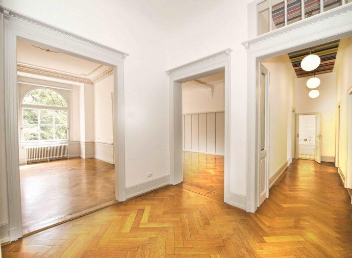 Stilvolle 6 1/2 Zimmer Altbau Mietwohnung mit Lift und Balkon