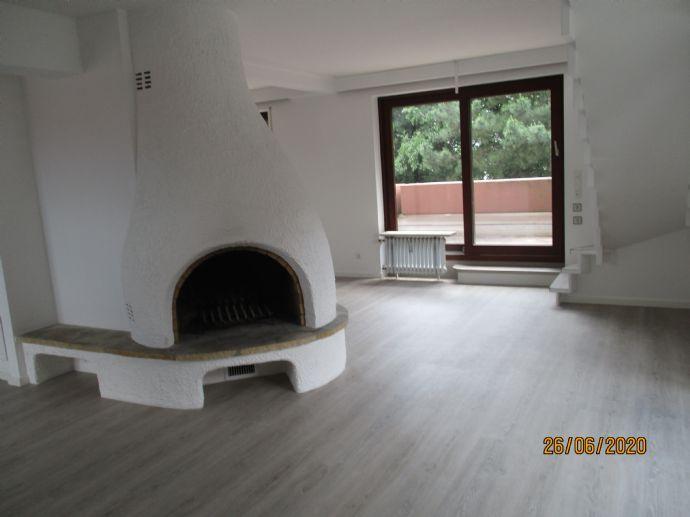 *** Erstbezug nach Renovierung - lichtdurchflutete, stylische 2 Zimmerwohnung Nähe Westpark  ***