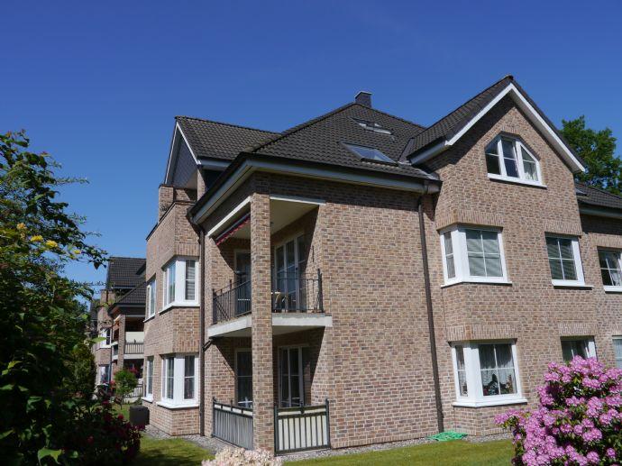 Sehr gepflegte 3 - Zimmer Maisonettwohnung - Wohn-/Nutzfläche 81 Quadratmeter mit Balkon Keller und Stellplatz
