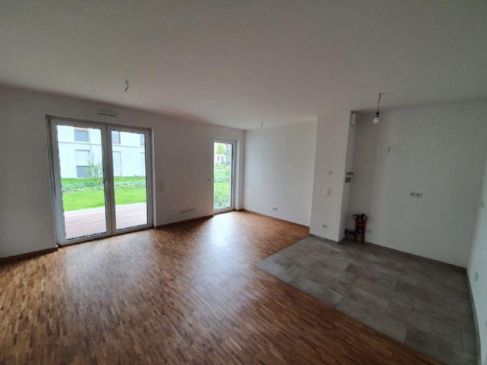 Reserviert - Neubau Erstbezug - Exklusive Wohnung mit kleinem Gartenanteil