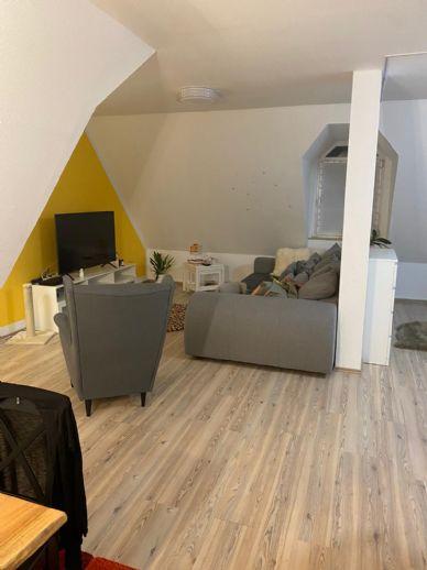 Großzügige 2-Zimmer-Wohnung in zentraler Lage