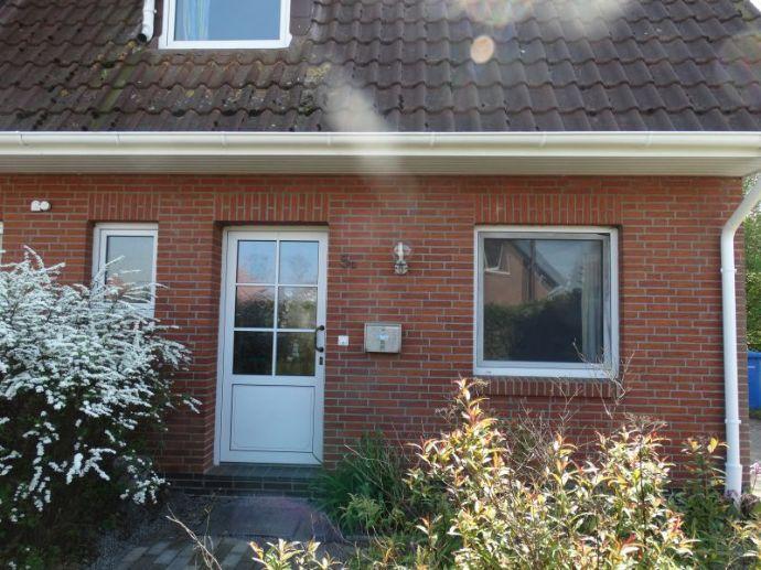 !!!RESERVIERT!!! Ruhig gelegene DHH, 4 ZKB, Gäste WC, Terrasse, Garten und Carport in Großenmeer (Ovelgönne)