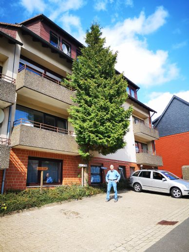 3-Zimmer-Wohnung - Balkon -