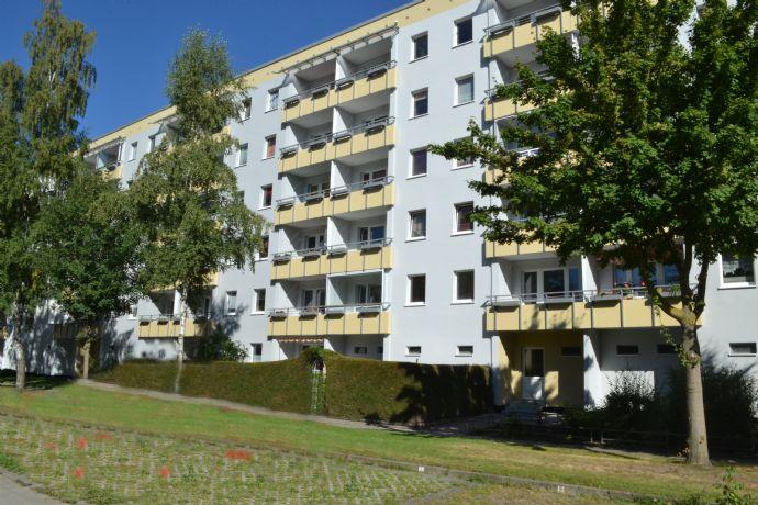 3 Zimmer mit Südbalkon in zentraler Wohnlage