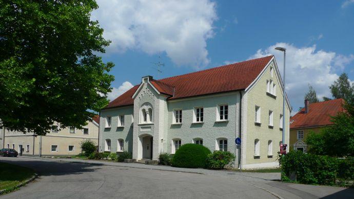 *** EXKLUSIV *** Imposantes Stadthaus mit historischem Flair im Zentrum von Rotthalmünster