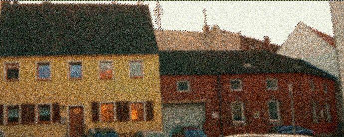 Wohnen für Kreative Individualisten Ausbaufähiger Dachboden und Scheune mit Optionen einer verglasten Dachfläche z.B. als Wintergarten.