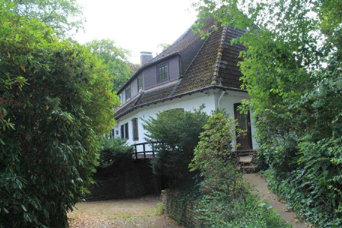 Großzügige Villa mit fantastischem Weitblick auf die Elbe