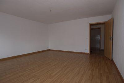 große 1 Raum Wohnung im Erdgeschoß