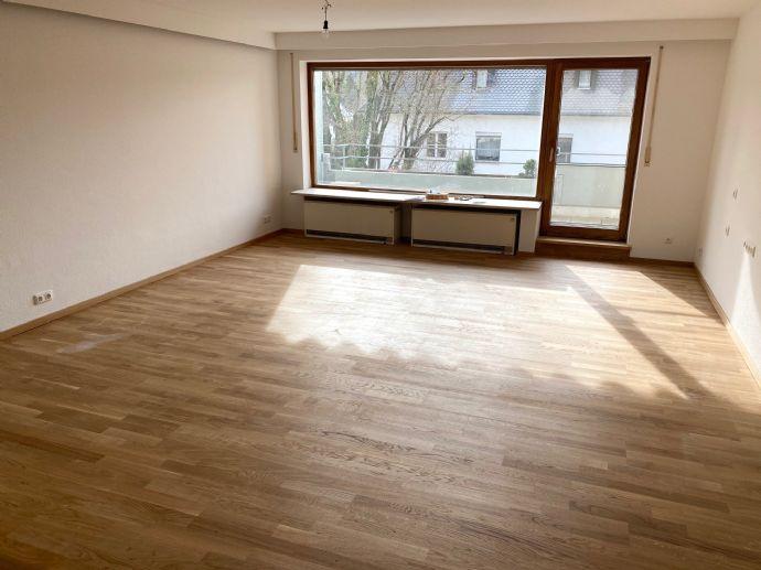 Top Lage! neu renovierte 2,5-Wohnung im Klötzlmüllerviertel