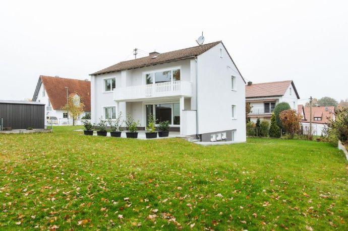 Traumhaftes EFH mit großem Garten, Terrasse, Balkon, Einliegerwohnung, Garage und Carport in Friedberg-Ottmaring