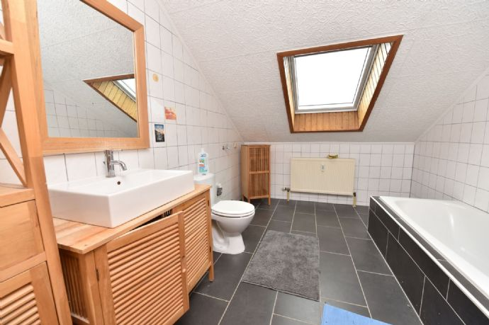 3-Zimmer Dachgeschoss-Wohnung in Braunfels-Altenkirchen