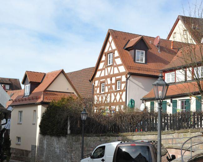 Moderne trifft Historie - Eine Perle im Zentrum von Wendelstein! Komplett saniertes, denkmalgeschützets EFH mit angrenzendem Neubau für Büro / Hobby