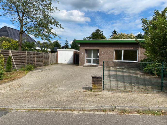 Bungalow mit tollem Grundstück in Collinghorst - renovierungsbedürftig