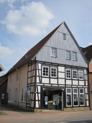3-Zimmer-Wohnung im OG mit Balkon und EBK direkt in der Altstadt von Springe