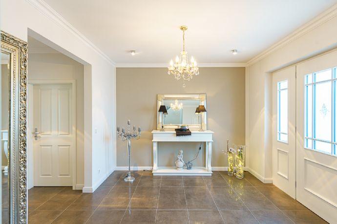 -- Hochwertiges Wohnhaus mit großzügigem Grundriss und weitläufigem Grundstück in Bad Sassendorf !! --