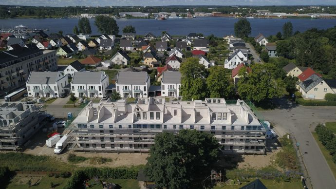 Wohnen Zur Yachtwerft! Neubau! Exklusive 3-Raum-WE mit Vollbad, Fußbodenhzg., Fahrstuhl u. Balkon!