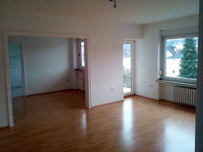 Schöne 5 Zimmer Wohnung mit Balkon in Altarnsberg - WBS erforderlich!