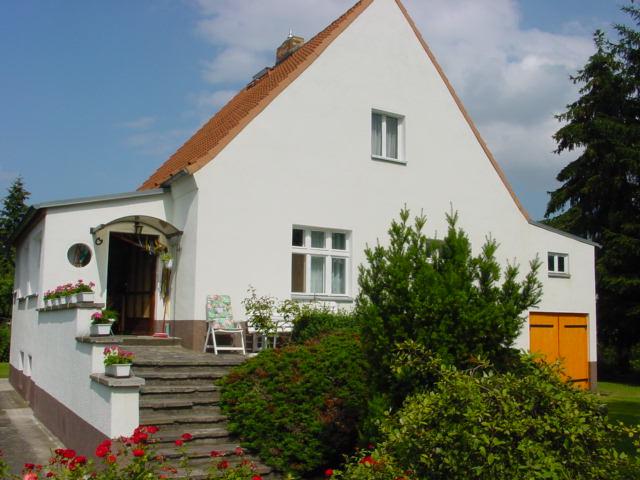 2 Einfamilienhäuser (nebeneinander liegend) in Berlin-Blankenburg
