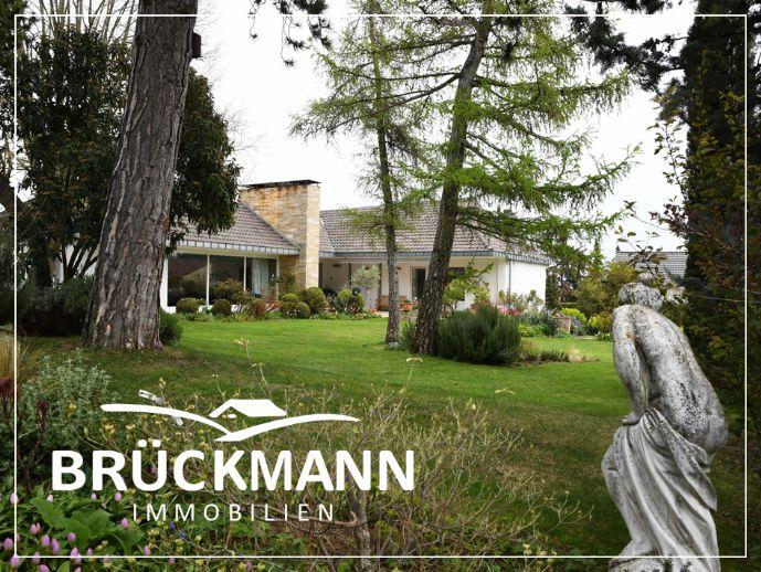 Bauhausstil-Villa mit parkartigem Garten im Herzen der Stadt