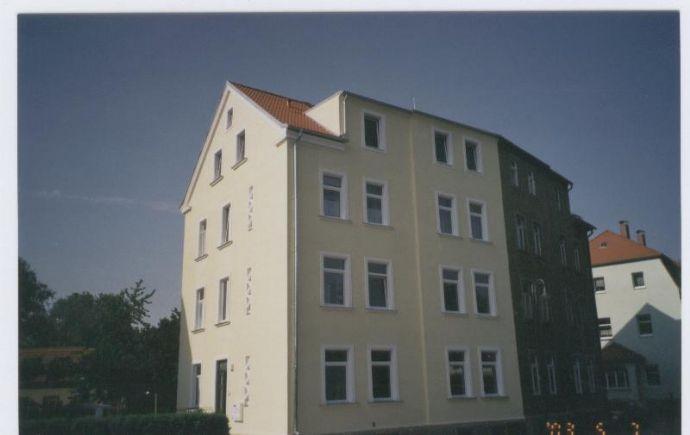 3 Zimmer in kleinem Miethaus mit Balkon