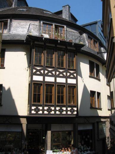 Attraktive Erkerwohnung mit nagelneuer Küche - direkt in der Cochemer Altstadt