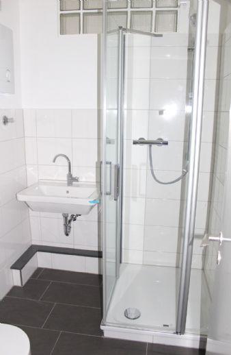 Renoviertes Appartement mit Einbauküche sucht nette(n), solvente(n) Mieter(in)