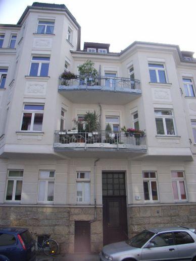 Großzügige 3-Raum-Dachgeschosswohnung in der Südvorstadt