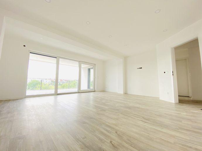 Erstbezug: exklusive 3-Zimmer-Wohnung mit Einbauküche und Balkon in Bad Friedrichshall