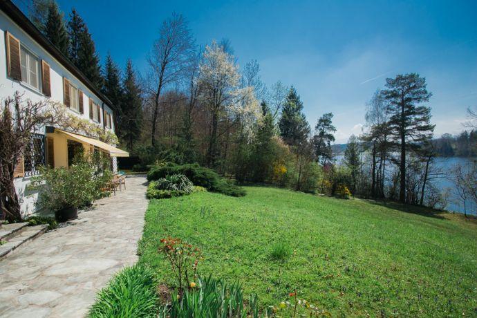 Einzigartiges Anwesen im Landschaftschutzgebiet direkt am Abtsdorfer See - vor den Toren Salzburgs