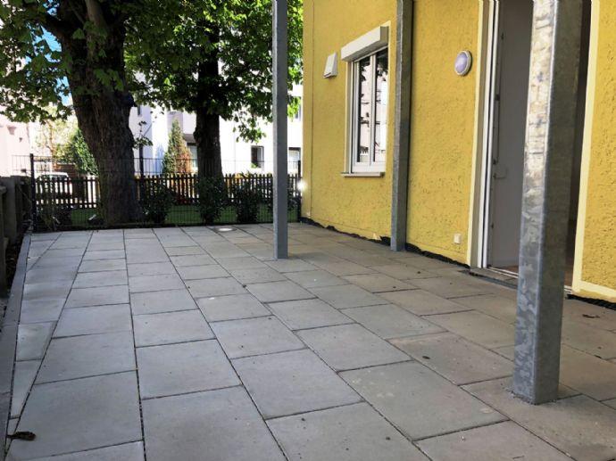 GÖGGINGEN Moderne und sanierte 2 ZKB- Erdgeschosswohnung mit Terrasse in TOP Lage (ERSTBEZUG)W2
