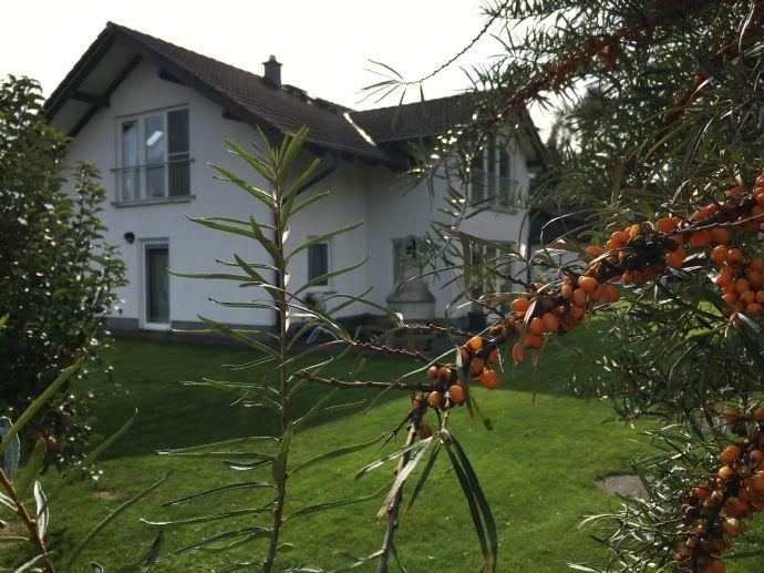 Attraktives Einfamilienhaus mit Einbauküche, Garage, Garten in ruhiger Lage in der Nähe von Cottbus
