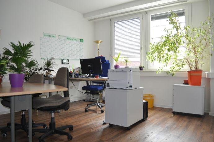 Helle(s) Büro / Praxis im Zentrum von Deggendorf provisionsfrei