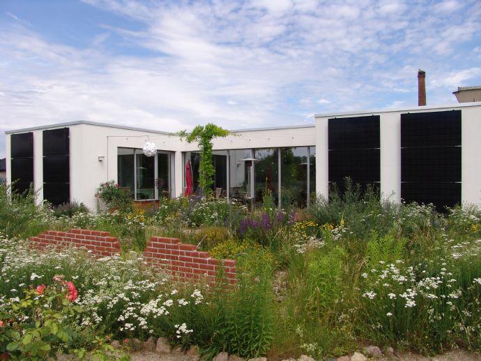 Ein vom Architekten für sich selbst errichteter Alterssitz - ein energetisch hoch effizientes Einfamilienhaus - muss umständehalber verkauft werden!