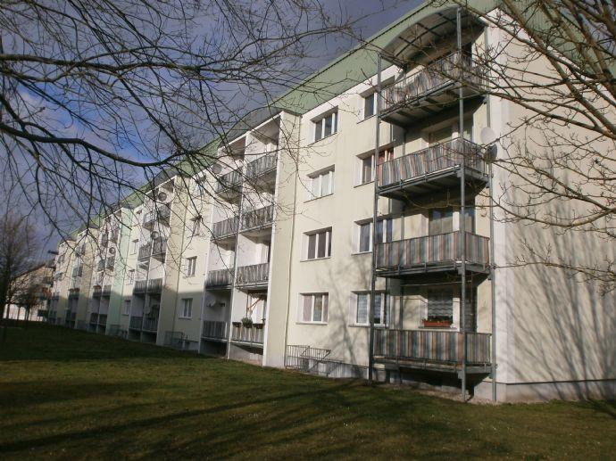 Vermietete 3-Raum-Eigentumswohnung in grüner Lage !