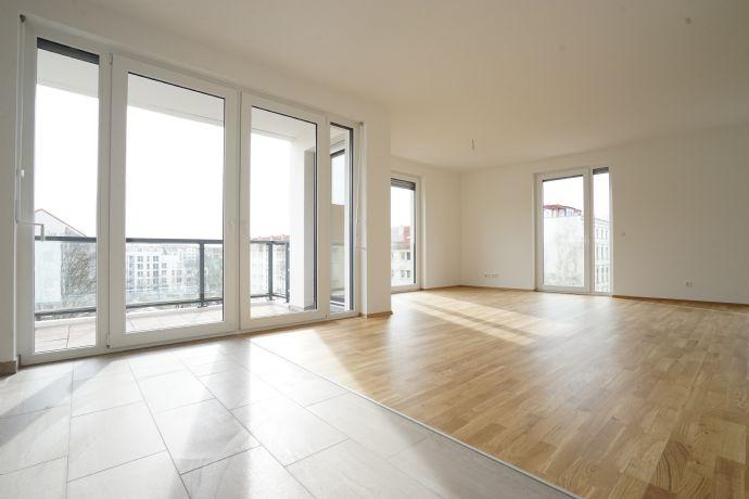 Lichtdurchflutete 4-Raum-Wohnung im Süden Leipzigs //LOGGIA / DUSCHE & WANNE / PARKETT / FBH