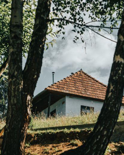 Großzügiges Einfamilienhaus mit Einliegerwohnung & 2 Garagen