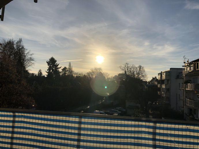 Renovierte 2-Zimmer Wohnung mit sehr grossem Balkon im Herzen von Siegburg