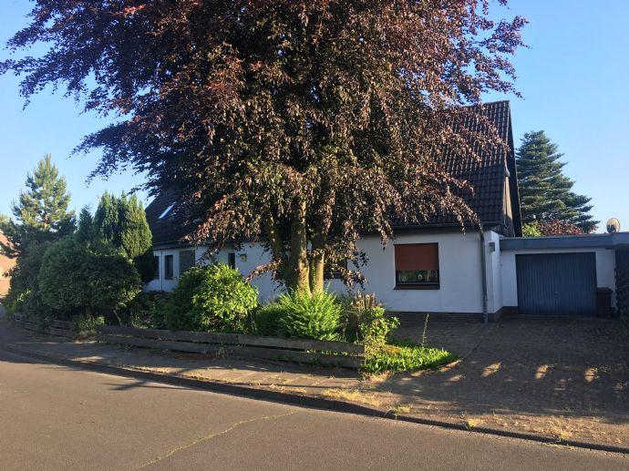 Großes Ein- bis Zweifamilienhaus in ruhiger Wohnlage von Stade/Wiepenkathen zu verkaufen