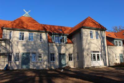 Erstbezug auf exklusivem Gehöft: schöne 2,5-Zimmer-Wohng. mit EBK und Balkon in Fischerhude