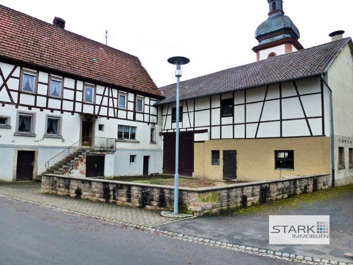 Sanierungsbedürftiges Bauernhaus mit Stall und Scheune aus dem 19.Jahrhundert!