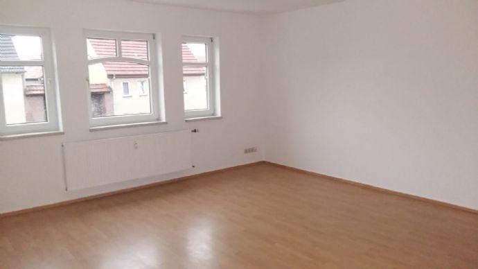 geräumige und helle 1-Raum Wohnung nähe Erfurt,mit Einbauküche
