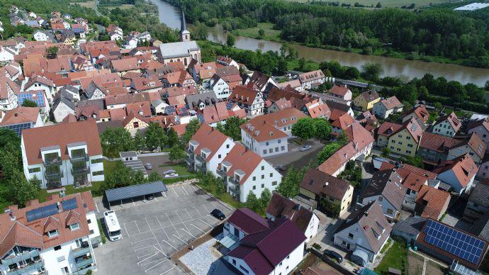 MAINHOF 14/16 ERLABRUNN- Sonnige 2-Zimmerwohnung mit Balkon - Whg. B3
